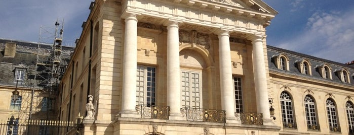 Palais des Ducs et des États de Bourgogne – Hôtel de ville de Dijon is one of Dijon.