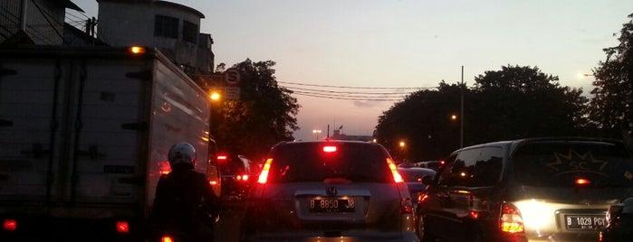Lampu Merah Stasiun Kota is one of F.