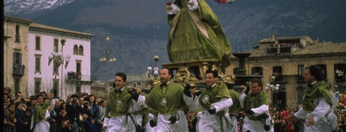 Piazza Garibaldi is one of Events in Abruzzo.