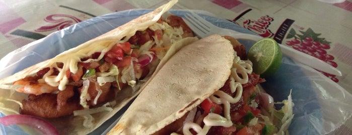 Mariscos Y Tacos La Arboleda is one of สถานที่ที่ Gaston ถูกใจ.