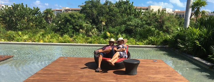Beach at the Secrets Playa Mujeres Golf & Spa Resort is one of Lugares favoritos de Jesús Ernesto.