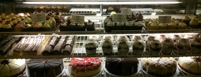 Zaro's Bakery is one of Lugares favoritos de Marie.