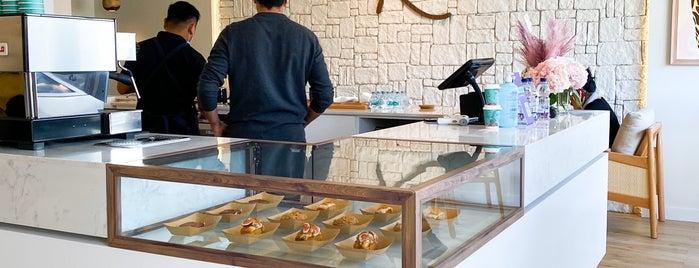 Rex Coffee is one of Tempat yang Disukai Alanoud.
