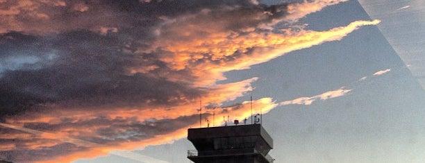 Aeroporto Internacional de Salt Lake City (SLC) is one of Airports (around the world).