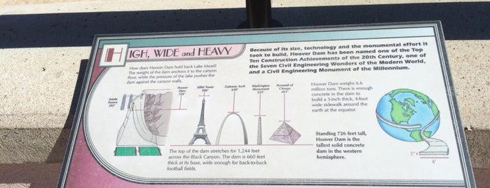 Hoover Dam is one of สถานที่ที่ Cagla ถูกใจ.