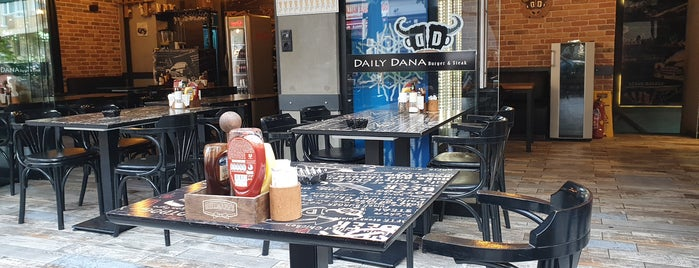 Daily Dana Burger & Steak is one of Ismail'in Beğendiği Mekanlar.