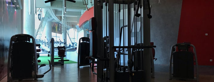 Fitness First Platinum is one of Hottest Gyms in Town.