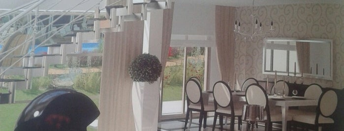 Dsg Emlak Turizm İnşaat is one of SEViM & EMRAH EFE 님이 저장한 장소.