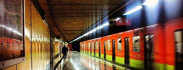 Metro Iztapalapa is one of Orte, die Omar gefallen.