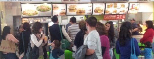 McDonald's is one of Lieux qui ont plu à Lorena.