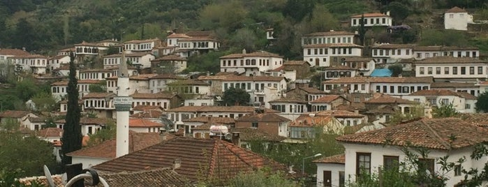 Şirince Çarşısı is one of Lugares favoritos de Nagehan.