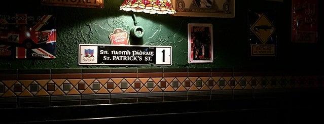 Harat's Pub is one of Orte, die Elena gefallen.