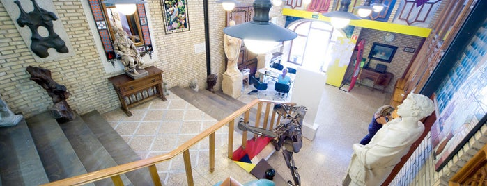 Escuela de Arte José Nogué is one of Lugares Míticos de Jaén.