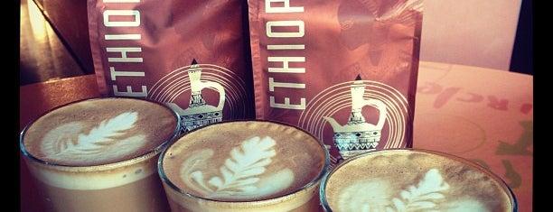 Starbucks is one of Tempat yang Disukai Andrew.