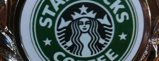 Starbucks is one of Lieux qui ont plu à Jean Carlos.