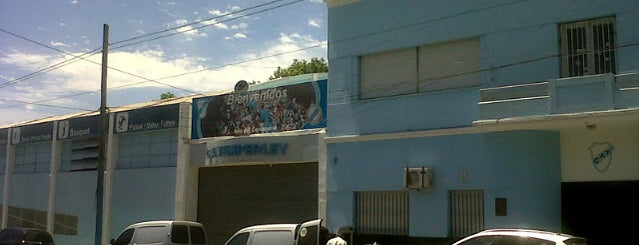 Estadio Alfredo Beranger (Club Atlético Temperley) is one of Locais curtidos por Edu.
