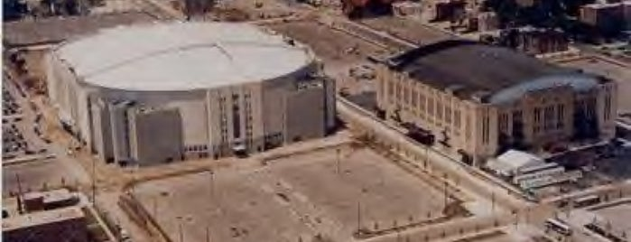 Historic Site of Chicago Stadium is one of Sports Venues.