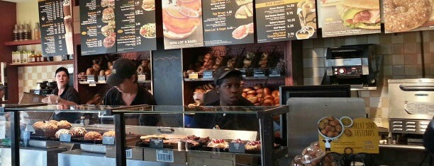 Einstein Bros Bagels is one of Andresさんのお気に入りスポット.