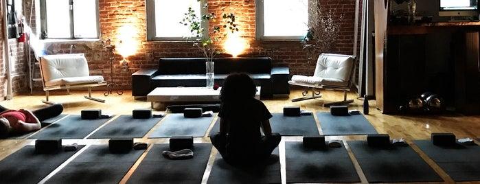 I AM YOU Studio is one of Locais curtidos por Nikki.