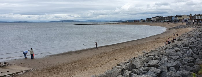 Morecambe Beach (North) is one of Lugares favoritos de Carl.