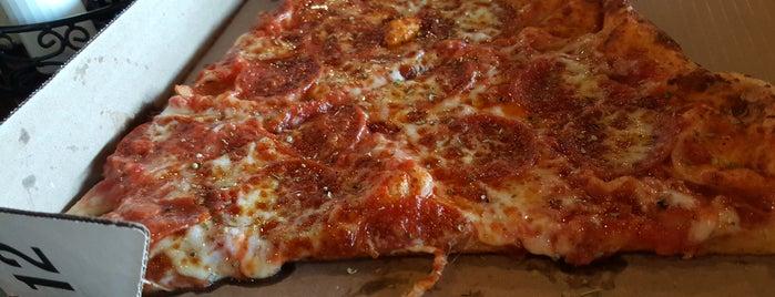 Venezia's Pizzeria is one of CJay 님이 좋아한 장소.