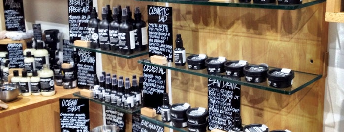 Lush Fresh Handmade Cosmetics is one of Locais salvos de Лин.