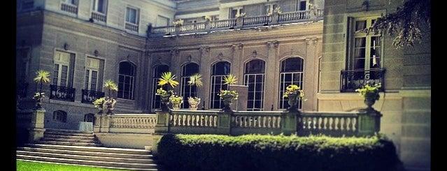 Embajada de Argentina is one of Monumentos Nacionales.