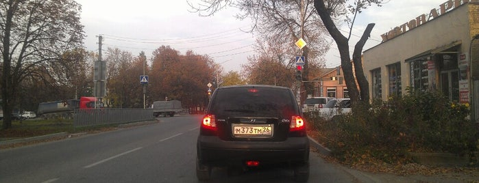 Площадь Возрождения (Ленинская) is one of KMV.