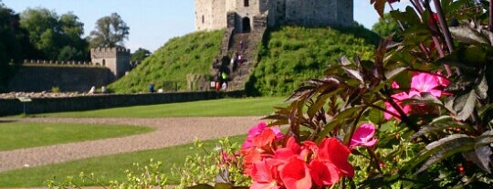 Cardiff Castle / Castell Caerdydd is one of Local's Guide to Cardiff.