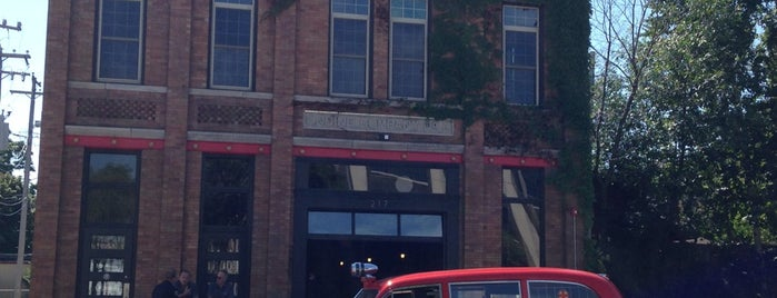 Engine Company No. 3 is one of Restaurants/Bars to try.