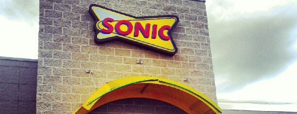 Sonic Drive-In is one of Posti salvati di G.