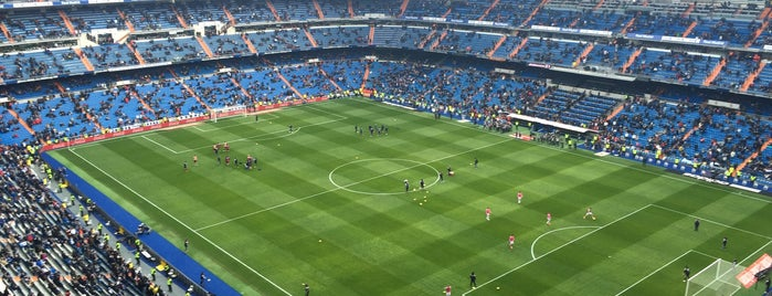 Estadio Santiago Bernabéu is one of Tempat yang Disukai Vicente.