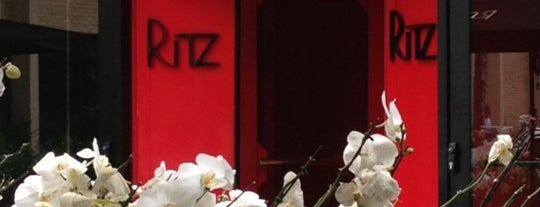 Ritz is one of Restaurantes de SP.