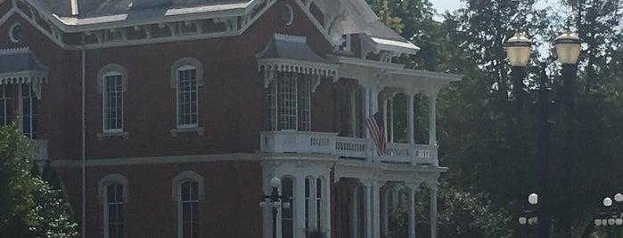 Belvedere Mansion is one of สถานที่ที่ Jeremy ถูกใจ.