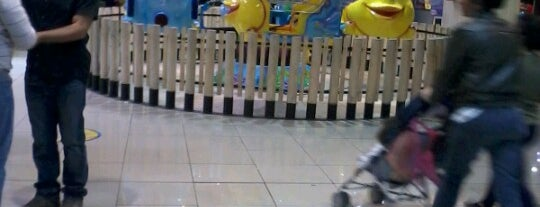 Happyland Park Mall Plaza is one of Lugares guardados de Luis.