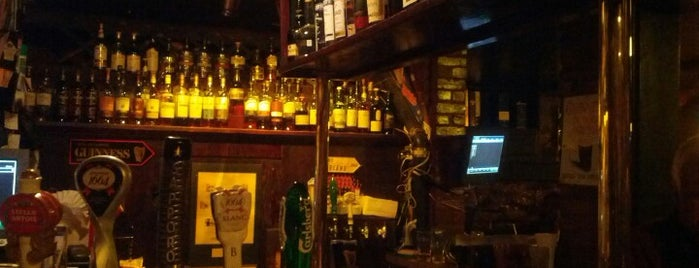 Hurley's Irish Pub is one of Places to Drink - Montreal.