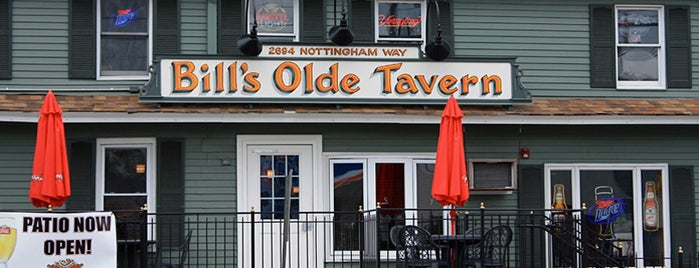 Bill's Olde Tavern is one of Lieux qui ont plu à Lorene.