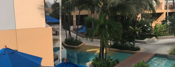 Deevana Plaza Hotel Krabi-Aonang is one of Lieux qui ont plu à Alika.