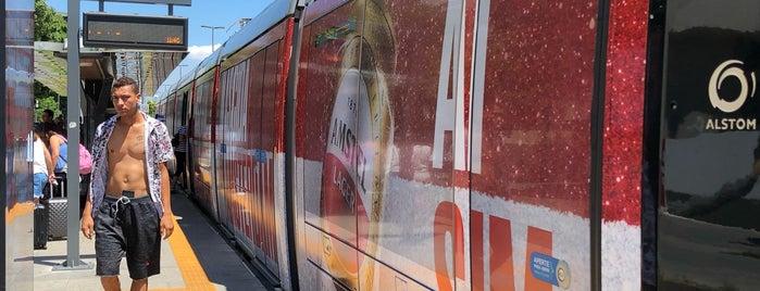 VLT Carioca - Estação Parada dos Museus is one of Lieux qui ont plu à Dade.