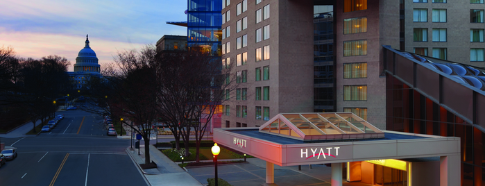 Hyatt Regency Washington On Capitol Hill is one of Matt'ın Kaydettiği Mekanlar.
