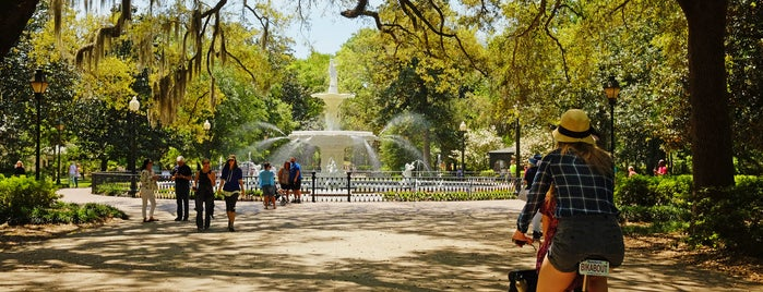 Forsyth Park is one of Bikabout Savannah.