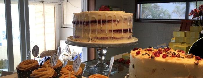 Bocadillos Bakery Cafe is one of Julia'nın Beğendiği Mekanlar.