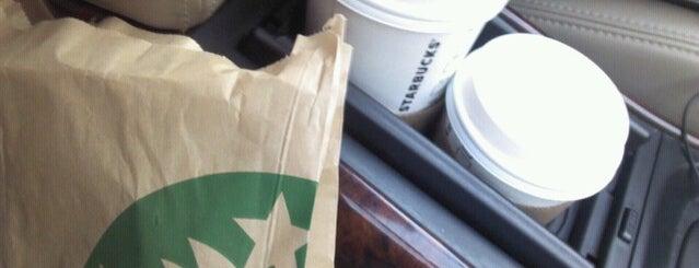 Starbucks is one of Tempat yang Disukai Marco Antonio.