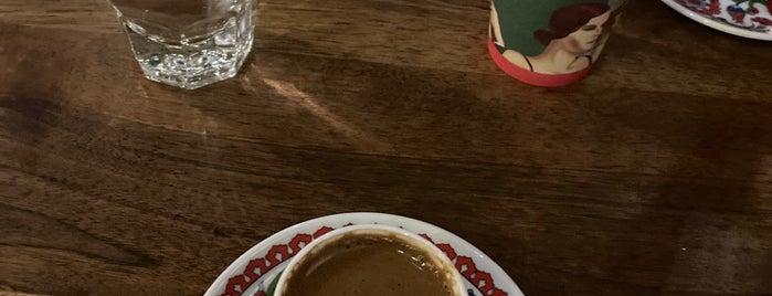 Cafe Molinari is one of Tempat yang Disukai Umitt..