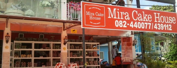 Mira Cake House is one of Tempat yang Disukai Sam.