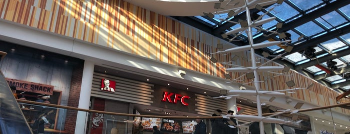 Kentucky Fried Chicken is one of Tempat yang Disukai N..