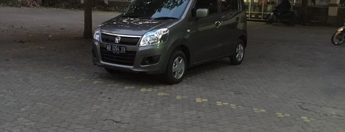 Kolam Renang FIK UNY (Jl. Colombo no.1 Yogyakarta) is one of Orte, die Ammyta gefallen.