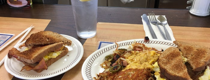 Waffle House is one of Robert 님이 좋아한 장소.
