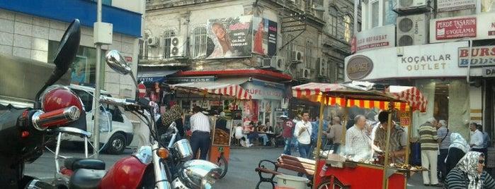 Sultanhamam Meydanı is one of Posti che sono piaciuti a Halil.