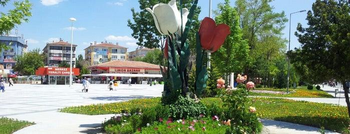Lale Meydanı is one of Lugares favoritos de Turgut.